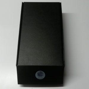 2-flessen-zwart-gesloten